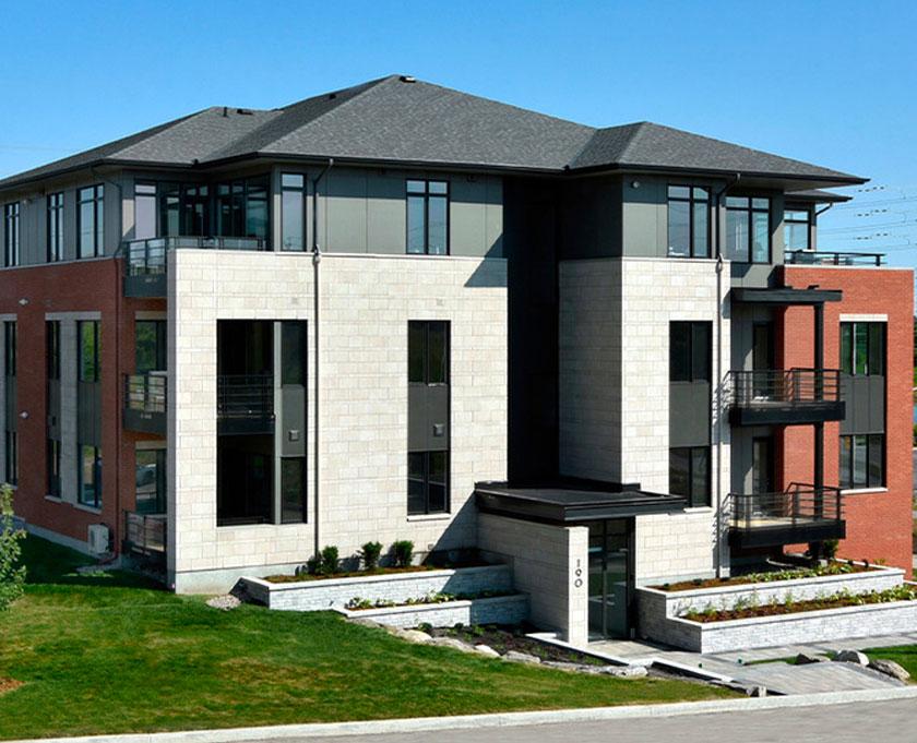 Exterior shot of Richardson Ridge rental building